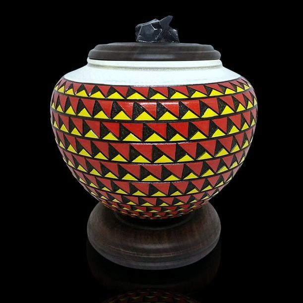 Red/Black/Yellow Urn
